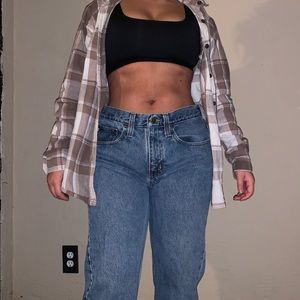 Carhartt jeans! Pink sports bra and flannel outfit